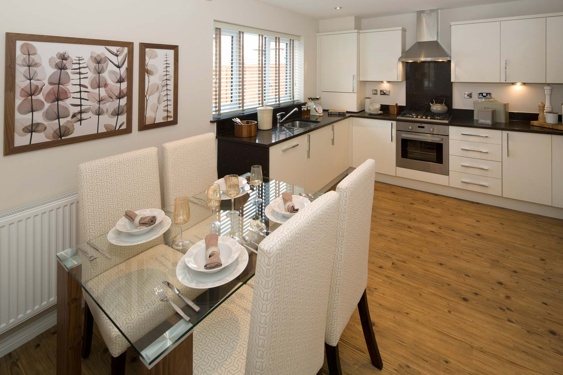 A Typical Taylor Wimpey Showhome Kitchen Leybourne (5)