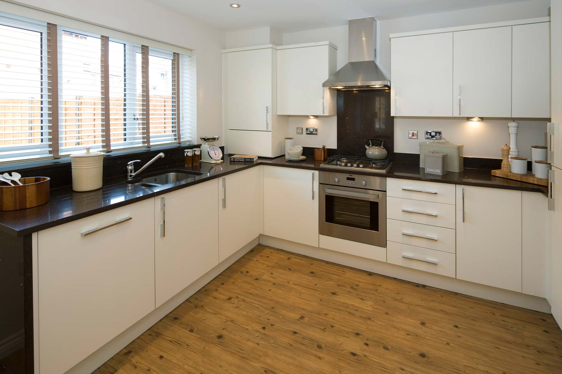 A Typical Taylor Wimpey Showhome Kitchen Leybourne (6)