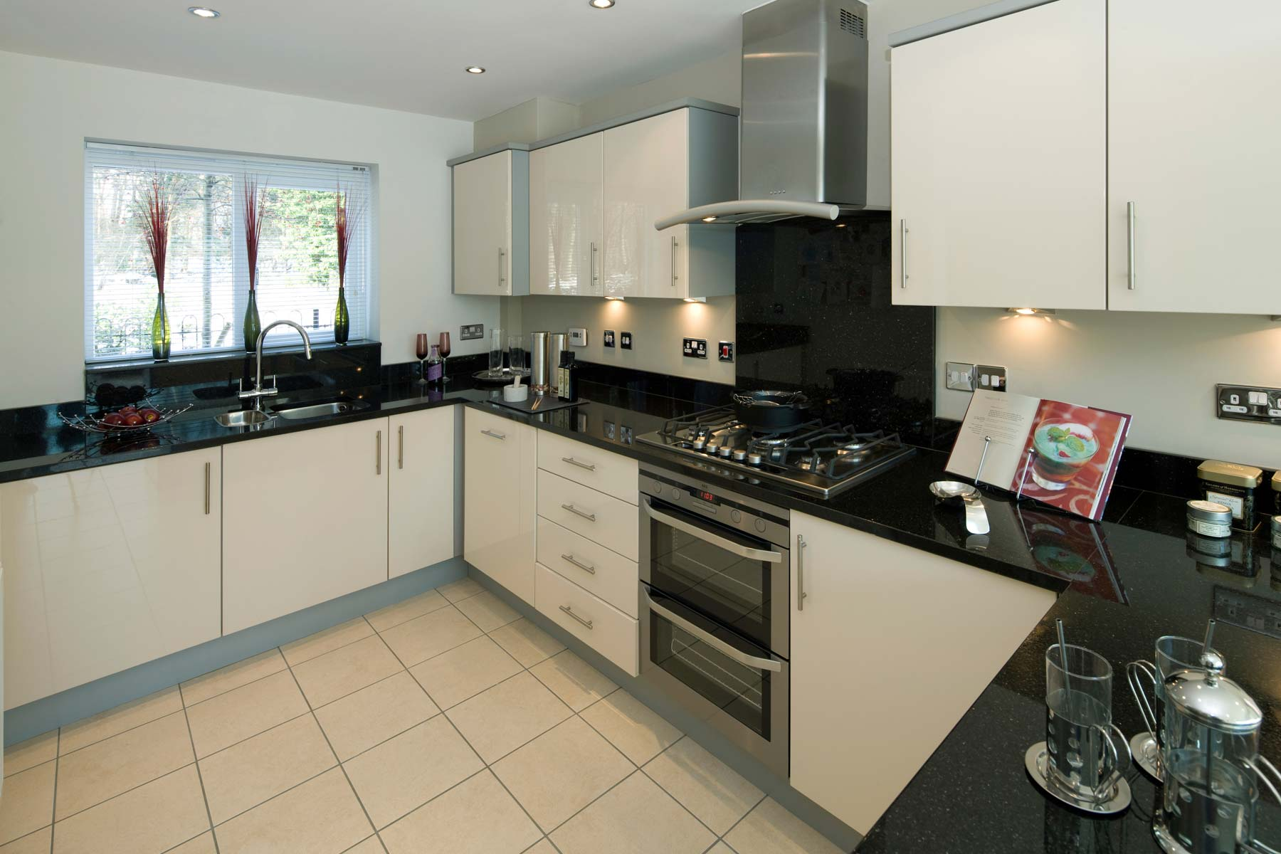 A Typical Taylor Wimpey Showhome Kitchen Finsbury Leybourne (7)