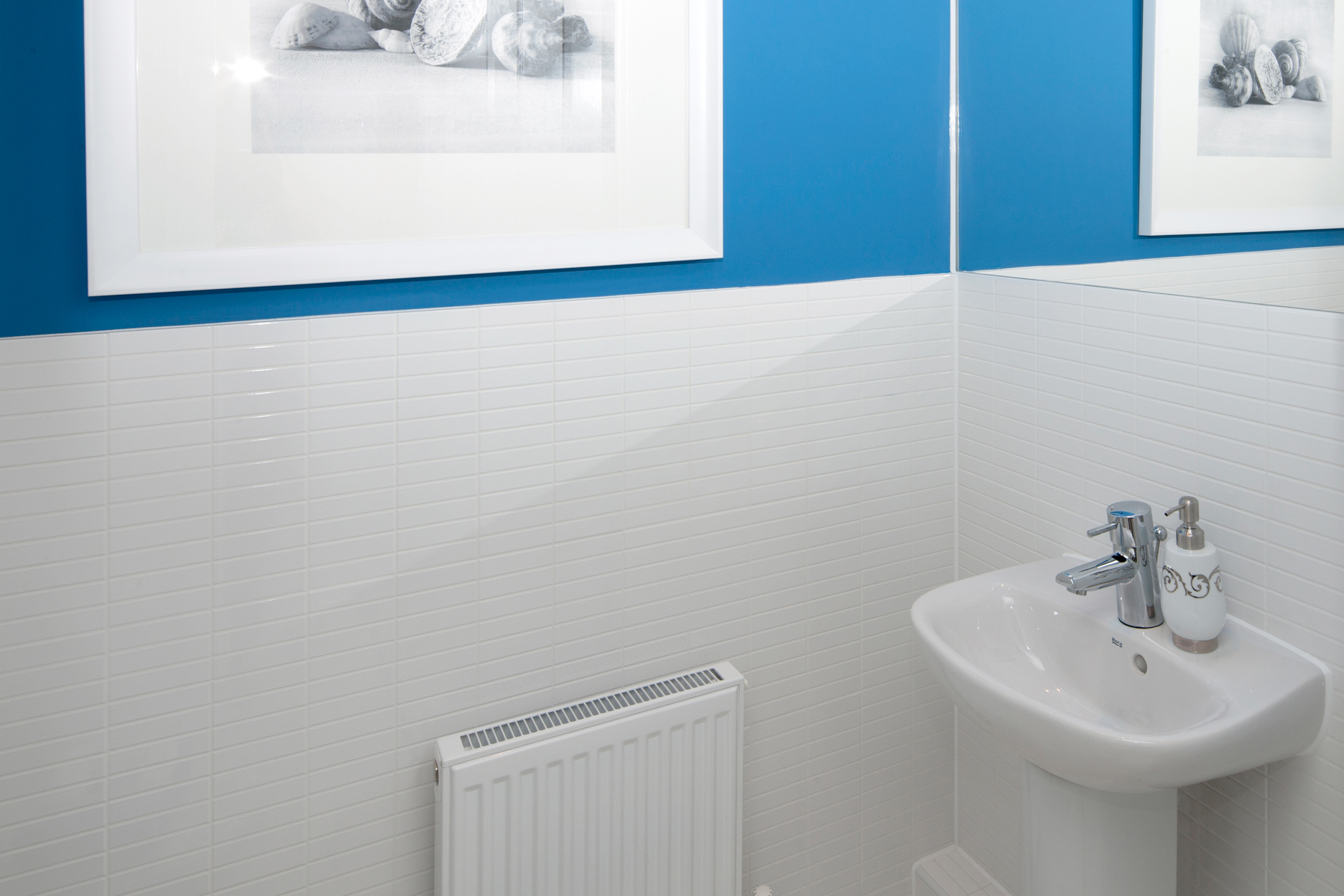 A Typical Taylor Wimpey Ensuite_2