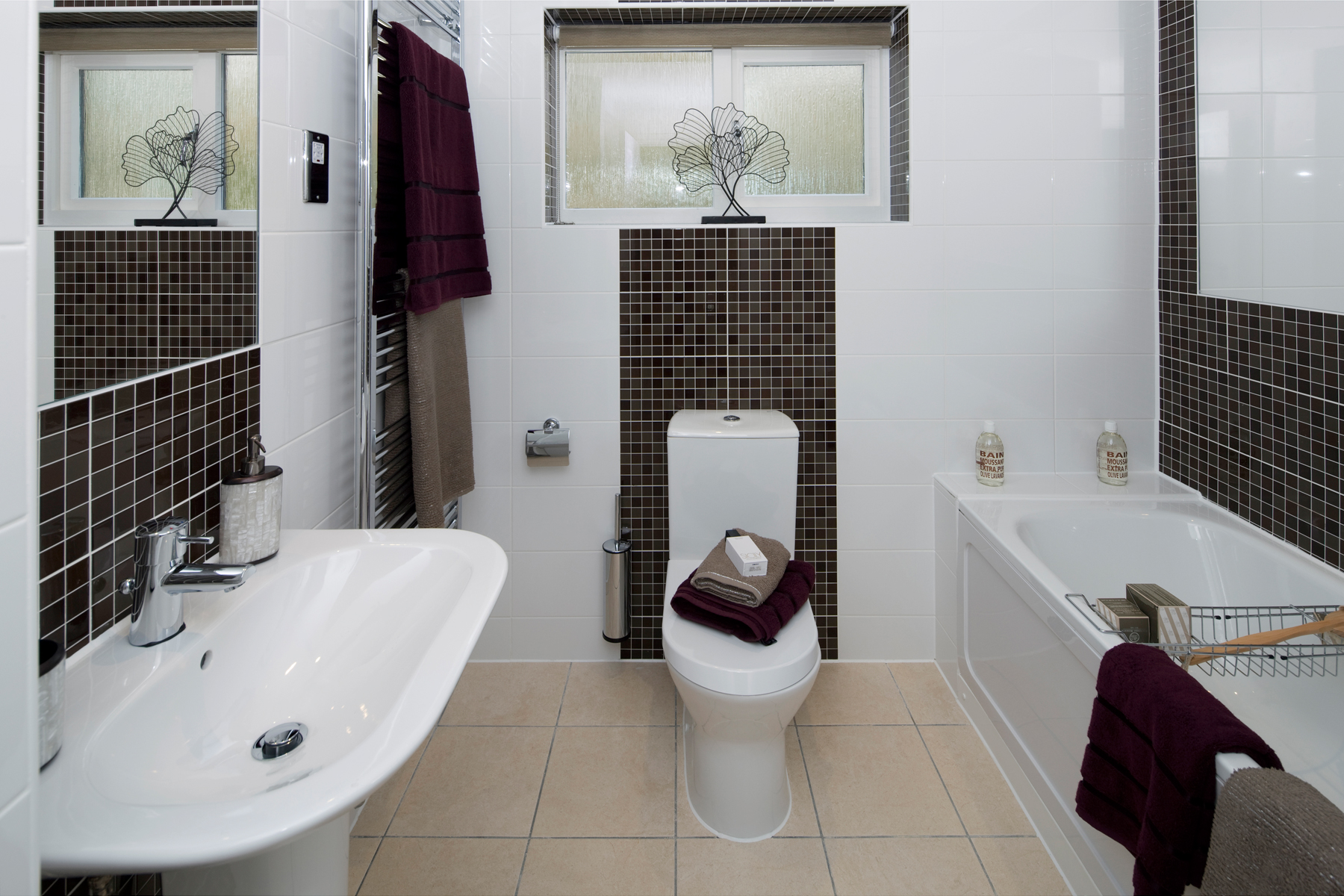 A Typical Taylor Wimpey Bathroom_4