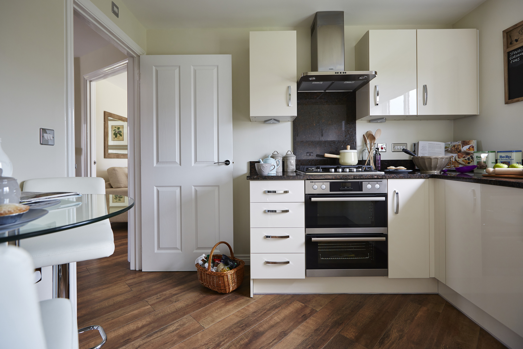 tw_man_albion_lock_sandbach_pd32_aldenham_kitchen